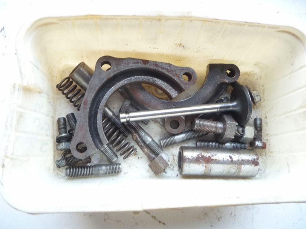 2 st ck austin healey motor mit getriebe aufgebaut frosch. Black Bedroom Furniture Sets. Home Design Ideas